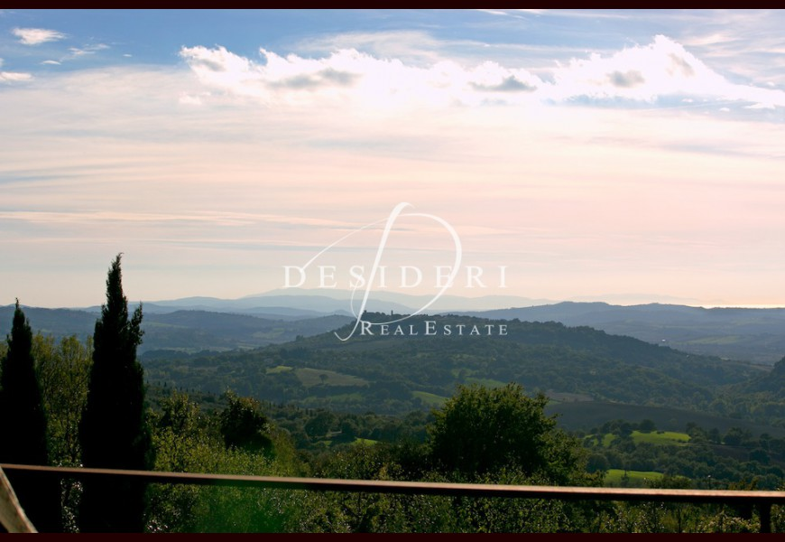 COUNTRY HOUSE on SALE in MANCIANO - CAPANNE