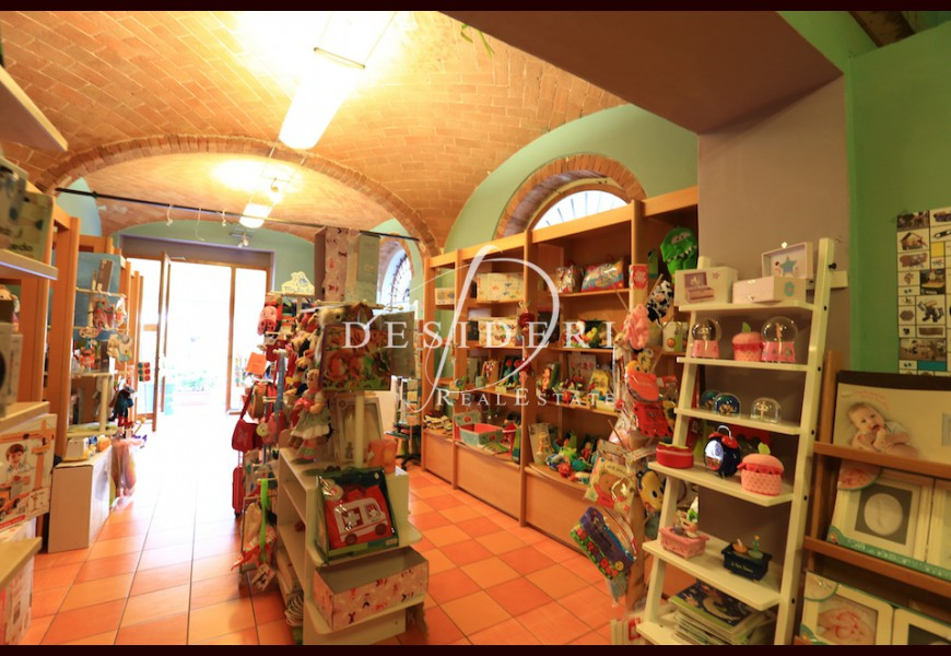 COMMERCIAL PROPERTY on SALE in GROSSETO - CENTRO STORICO