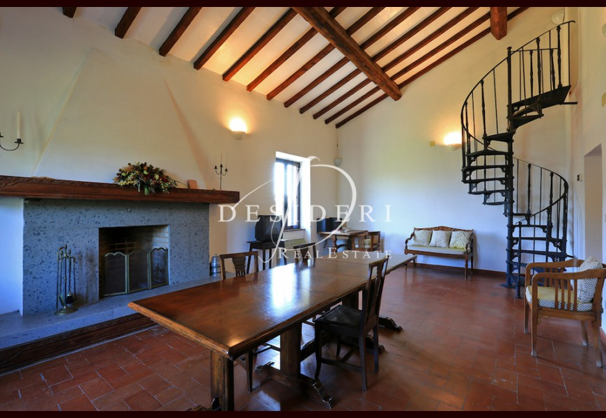 COUNTRY HOUSE on SALE in MAGLIANO IN TOSCANA -